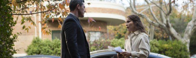 Mike (Luke Evans) und Lizzie (Noomi Rapace)im Gespräch, draußen