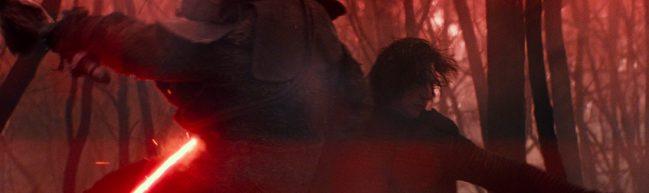 Kylo Ren kämpft mit seinem roten Lichtschwert